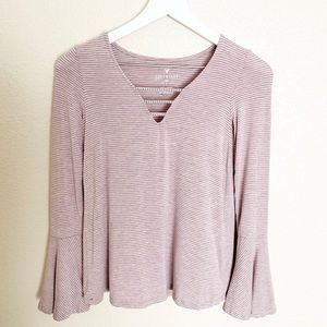 AMERICAN EAGLE soft + sexy tee long bell sleeve XS